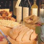 """Sabato 18 maggio ore 21 - presso l'Agrituriturismo """"Fagiolo d'oro"""" raccontiamo e degustiamo l' Alta Val d'Agri con i suoi prodotti tipici: 30 euro con cena/assaggio (e più che assaggio!) di 6 vini DOC inclusi. inizio evento ore 21:00 Antipasti - Polenta croccante con Baccalà in umido (morbido baccalà cotto in pentola con aglio, cipolla, pinoli, acciughe, capperi, prezzemolo, olive e patate) accompagnato da vino """"Bianco Basilicata"""" (Pisani) - Prosciutto di Marsicovetere (Salumeria Giocoli) - Prosciutto dalle qualità organolettiche eccezionali, di cui è stato avviato il riconoscimento IGP. - Insaccati tipici lucani ( Az agr. Trivigno) con Ricotta accompagnati da vino """"Bianco Basilicata"""" (De Blasiis) Primi - Ravioli (piccoli ravioli ripieni di ricotta, tipici Lucani) accompagnati da vino Terre dell'Alta Val d'Agri doc Rosso 2010 (Pisani) - Ferricelli mollicati con peperoni - Zuppa di Fagioli di Sarconi IGP (Due assaggi di zuppa di fagioli utilizzando due ecotipi del famoso fagiolo di Sarconi) accompagnati da vino Terre dell'Alta Val d'Agri doc Rosso 2007 (DeBlasiis) Secondo """"Agnello delle dolomiti lucane"""" al Terre dell'Alta Val d'Agri accompagnato da vino Terre dell'Alta Val d'Agri doc Rosso riserva 2007 CONTORNI ruota di formaggi dell'Alta Val d'Agri : Ricotta, Canestrato di Moliterno igp, Casiedd ' presidio slow food, Casiedd' ca nepeta, Caciocavallo podolico accompagnati dai vini Bianco Basilicata igt (Pisani-De Blasiis) Dolce Pizzette o mennelle accompagnate da vino spumante aglianico dolce (Pasticceria Masi) Caffè; Grappa; Amaro. acqua è libera e di tutti. persino liscia e gassata. prenotazione necessaria e gradita Chi ospiteremo: Giovanni De Blasiis - Titolare e agronomo dell'Azienda Agricola Matina in Viggiano. Gestisce l'Azienda agricola ad indirizzo zootecnico insieme al fratello Alessando. Lunga tradizione enologica già di terza generazione. Coltiva tre ettari di vigneto. Ottimo tecnico ed Appassionato Produttore del Terre dell'Alta Val d'Agri doc e Bianco Ba"""